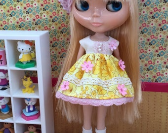 Hat & Dress Set for Blythe - Soft pink and yellow floral set