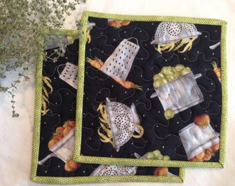 Quilted Kitchen Potholders Black and Gray and Green