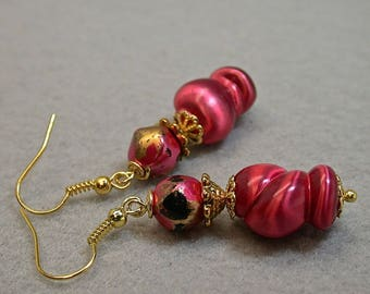 Vintage Japanese Lucite Pink Iridescent Twist Bead Dangle Earrings, Vintage Japanese Pink Black Gold Bead,Gold French Ear Wires-GIFT WRAPPED
