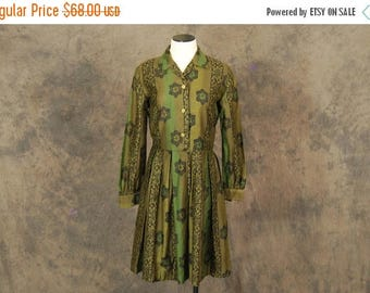 3 Day SALE vintage 50s Dress - Olive Green Floral Print 1950s Shirt Dress Sz M