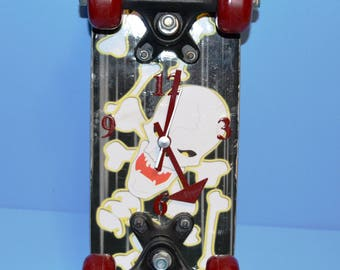 Mini Skateboard Skull Clock