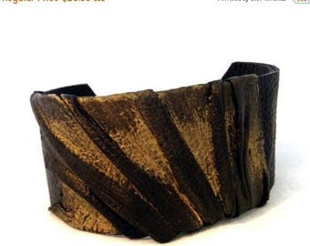 40% OFF SALE Elegant Leather bracelet Women cuff Leather jewelry Wristband Casual Elegance collection.