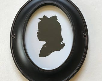 FRAMED Custom Silhouette in Black Oval