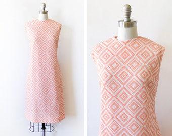 vintage mod dress, 60s mod scooter dress, peach orange and white diamond 1960s shift dress, large l