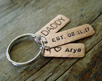Fathers Day Keychain, Dad Keychain, Dad Est Keychain, Childs Name, Hand Stamped, Established Date Year, Personalized, New Dad Gift, Dad Gift
