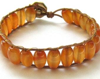 Orange agate beaded bracelet