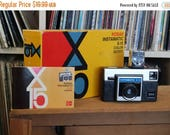 SALE 25% OFF 1970's Kodak Instamatic X-15 Camera Outfit with Flashcube & Instructions