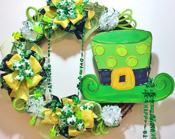 FREE SHIPPING Lights Up St. Patricks Day Leprechaun Hat Beads - Welcome Door Grapevine Wreath