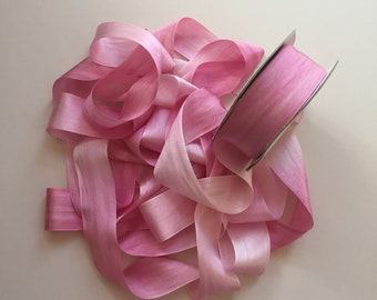 1 metre of 32mm variegated silk ribbon - Colour V037