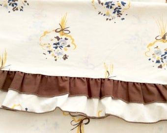 Vintage Full Flat Sheet Brown Ruffles Bouquets