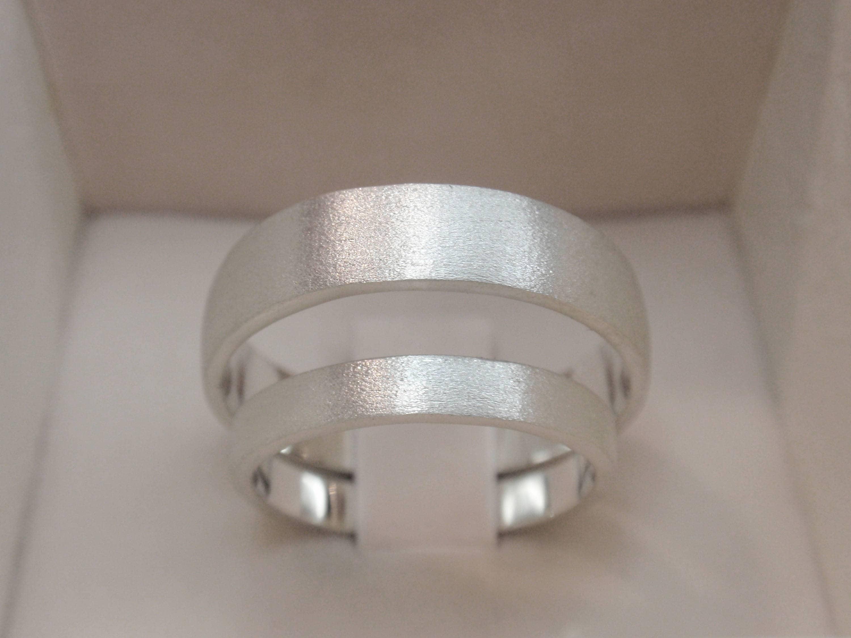wedding bands set of 2 wedding ring set brush satin finish