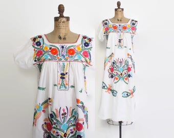 Vintage 70s MEXICAN DRESS / 1970s Oaxacan White Cotton Embroidered Hippie Ethnic Tent Dress