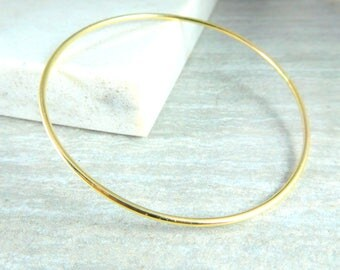 14K Solid Gold Bangle Bracelet, 14K Yellow Gold Hammered Bracelet, Skinny Thin Delicate, Simple Classic Everyday Jewelry, 1.63mm Thick