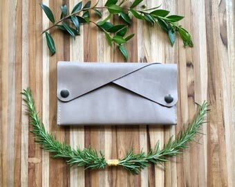 Leather Wallet - The Dolly - In London Fog