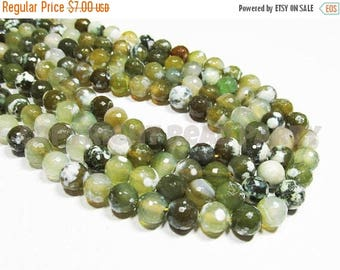 """20% OFF 7"""" Gemstone STRAND - Crackle Agate Beads - 8mm Rounds - Disco Faceted Shaded Olive Green (7"""" strand - 22 beads) - str182"""