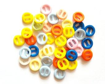 30pcs Fancy Round Buttons 2 Holes Size 15mm Blue Navy Orange Yellow Pink Beige