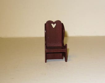 Child's Settle with Heart Cutout - 1/12th scale