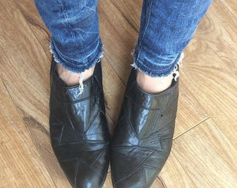 SPRING SALE Ankle Boots, Black Boots, Pull On Boots Size 9 / Euro 40 / UK 6 6.5 Womens Black Boots, Chelsea Boots,  Preppy Hipster Black Lea