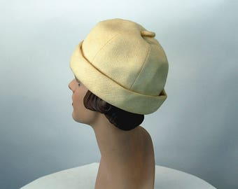 1960s hat beanie hat ivory wool cuffed hat by Nell New York Size 21