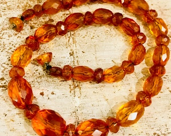 Beautiful 1930s Faceted Natural Honey Amber Vintage Antique Necklace