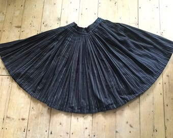 Vintage Eastern European Folk Skirt Full Circle Pleated Charcoal M