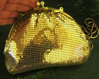 "Beautiful Gold Mesh Evening Bag SZ 7.5"" X 5.5"" X 2"""