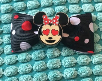 Emoji Minnie Mouse with heart eyes hair bow clip