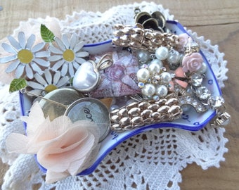 Vintage Jewelry Lot - Shabby Chic - Garden Flower Findings - Lot - Charms - Pink - Sunflower - Chain Bits - Pearl Chain - DD3