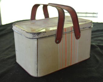 Vintage Tin Metal Lunch Box 1930's - 1940's Lunchbox