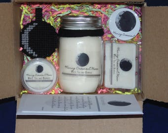 Moon Phases, WANING CRESCENT, Soy Candle, Wax Melts, Moon Key chain, Birthday Card, Button Pin