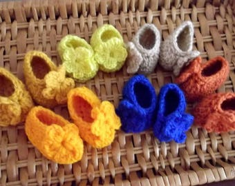 NEW Colors.... Baby Girl SLIPPERS...Size NEWBORN up to 3 Month ...Orange, Bright Yellow,Rust, Lt Khaki, Gold & Royal Blue...Floral Accent