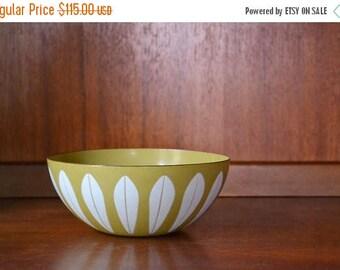 """CIJ SALE 25% OFF vintage midcentury modern enamel 7"""" cathrineholm lotus bowl / grete prytz kittelsen / scandinavian home decor"""
