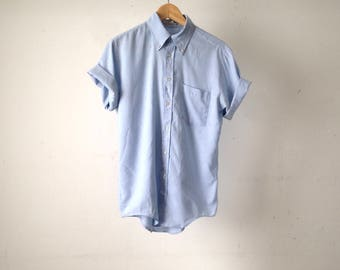 light blue CHAMBRAY 90s classic soft THIN short sleeve button up shirt