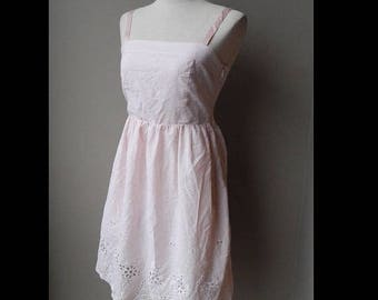 ON SALE ON Sale Plaid Pink Embroidered Eyelet Sundress Dress Bust 32 Waist 25 size 6 or size S