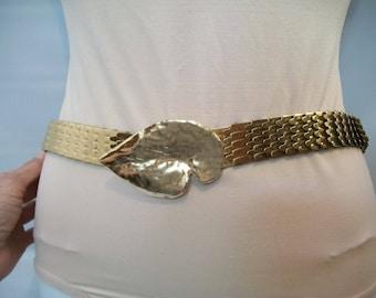 Vintage Stretch Scale Belt, Snake Belt, Leaf Belt Buckle, Fashion Accessories. Vintage Accessories, Vintage Fashions, Stretchy Belt,
