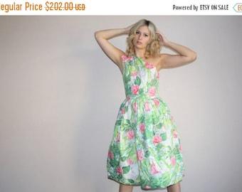 FLASH SALE - 1950s Floral Cotton Dress -  Vintage 1950s Dress  - Vintage 50s Dress - WD0367