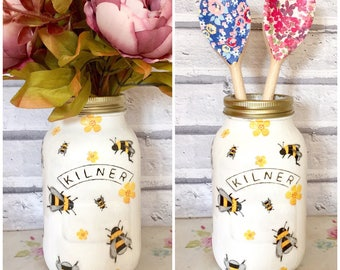 Decorative Decoupaged 1ltr Kilner Jar using a Busy Bee designs