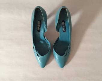 TEAL BLUE leather pumps   cut out kitten heels   80s leather stilllettos   8