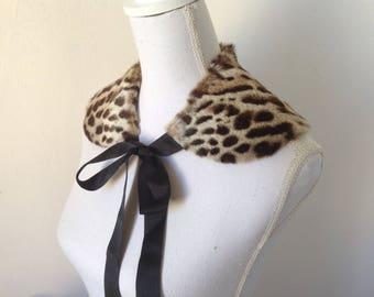 Français VTG des années 1950 col en fourrure léopard