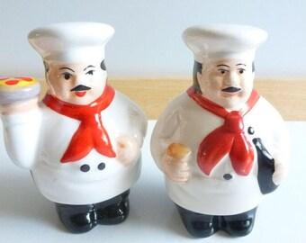 Vintage Salt Pepper Shakers, Ceramic Chef's by Reader's Digest, Kitchen Kitsch, Red White Black S&P