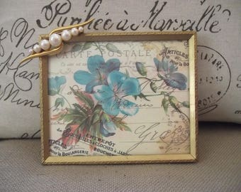 Picture Frame - 4 x 5 Goldtone Vintage Metal Picture Frame with Beautiful Pearl Jewel