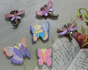 6 Painted Resin Button Covers Dragonflies & Butterflies   MAW21