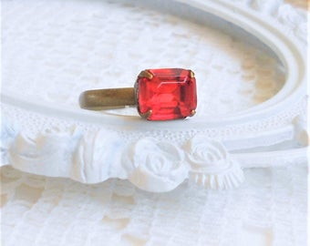 SALE, 50% OFF, Red Ring, Light Siam Ring, Stackable Rings, Vintage Crystal Ring, Red Rhinestone Cocktail Ring, Antique Brass Adjustable Ring