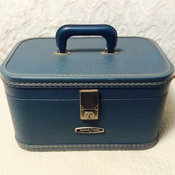 Vintage Blue Train Case with Key by Travel Smart Makeup Cosmetic Luggage Carry On Storage Case