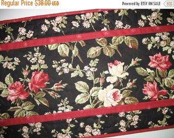 Sale Christmas in July Floral Table Runner, quilted table runner, handmade, roses in red, pink and white fabric from Maywood