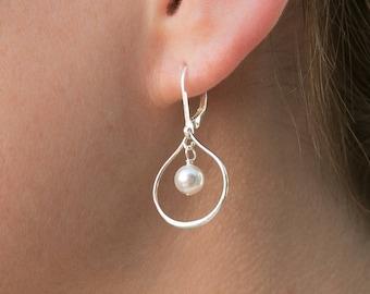 Bridesmaid Earrings Set of 9, Pearl Bridesmaid Jewelry, Bridesmaids Earrings Gift, Teardrop Earrings, Sterling Silver Bridesmaid Earrings
