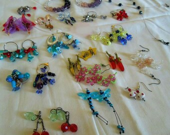 Lot of earrings+ necklace