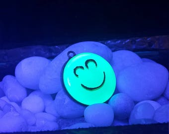 Nuclear Hot Green Smiling Happy Face UV Reactive Blacklight Paint Hand Layered Resin Pendant Super Green Magic Neon Day Glow Colors