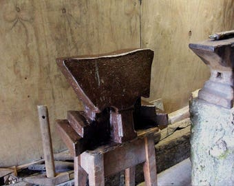 Beautiful French or Polish Cathedral Blacksmith Anvil Solid Wrought Iron Dated 1811 Weighing 231Lbs