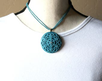 Artisan Turquoise Medallion Mandala Tatting Fiber Wooden Disc Choker Necklace